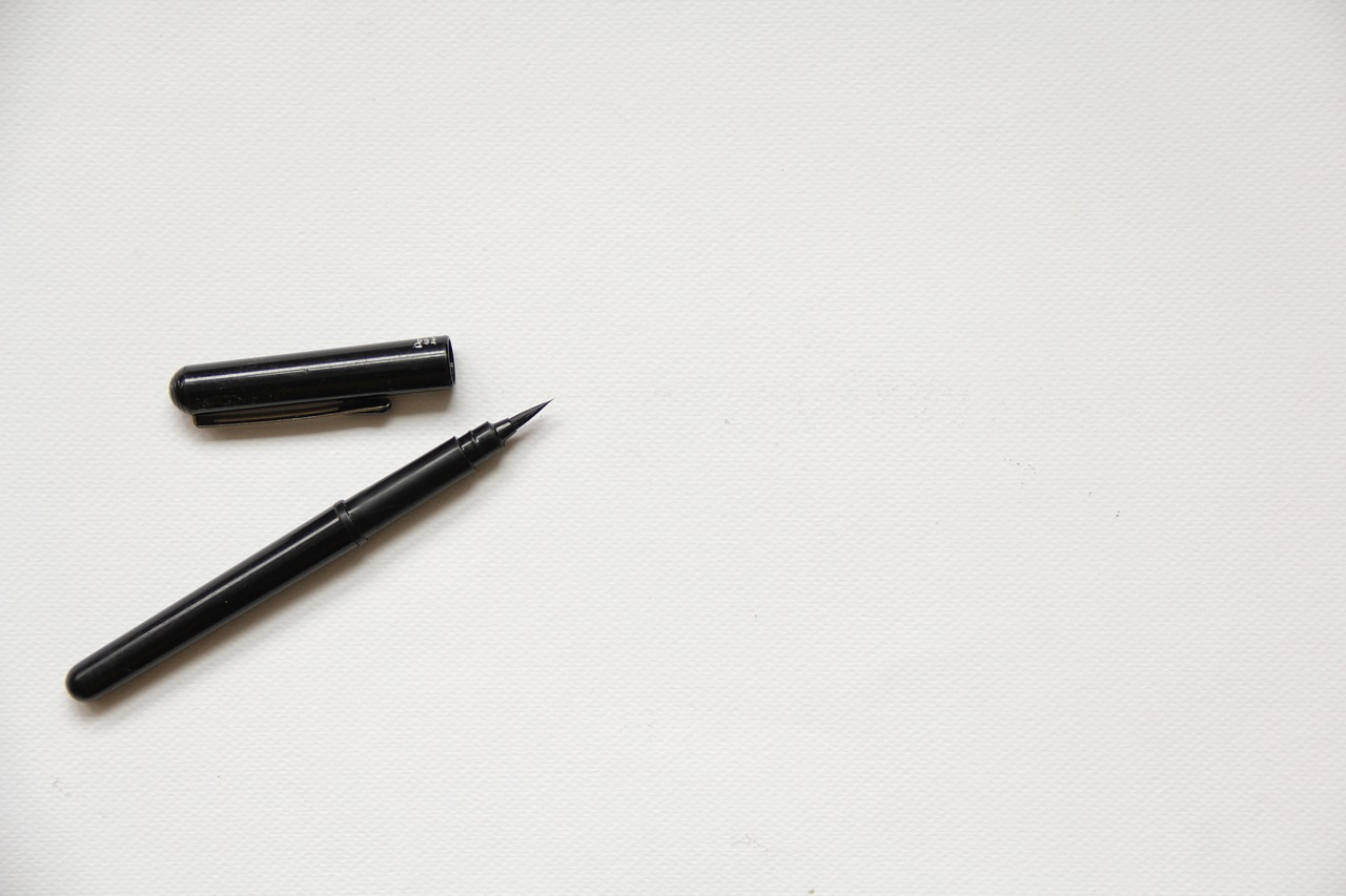 should your lease be written? pen is pictured