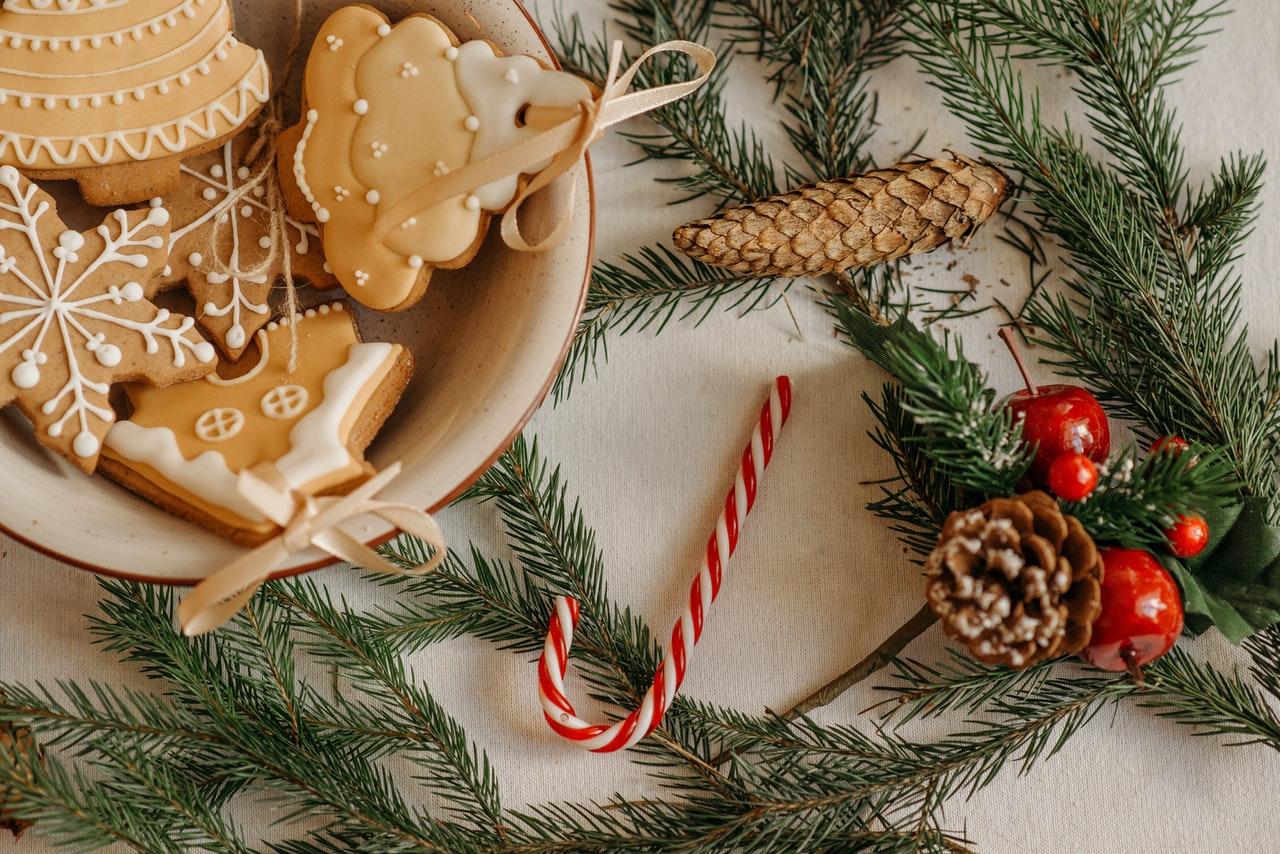 renter-friendly holiday decoration ideas