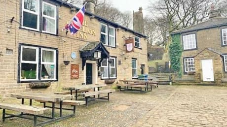 Red Lion The Square Whitworth Rochdale OL12 8PY