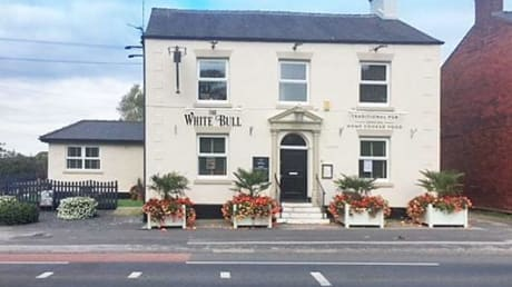 White Bull Hotel Garstang Road Bilsborrow Preston PR3 0RE
