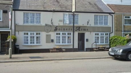 Joiners Arms 62 Ystrad Road Fforestfach Swansea SA5 4BU