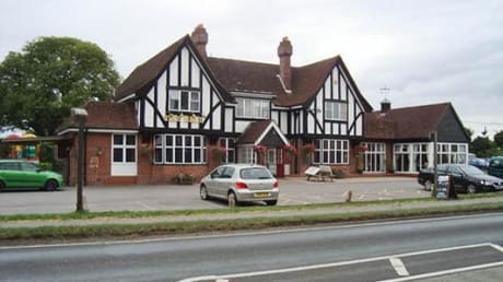 Bell Inn Weyhill Andover Hants SP11 0PN