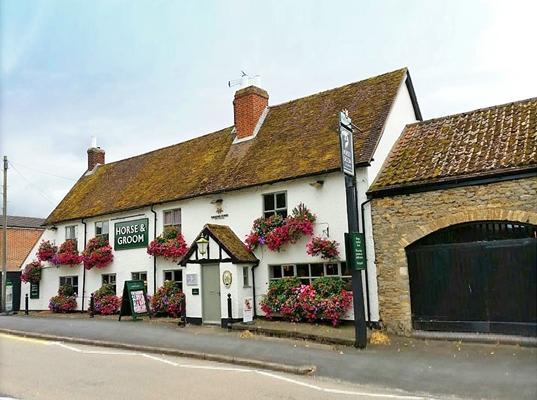 Horse & Groom Pub