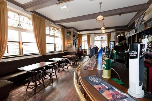 Mountain Daisy Pub