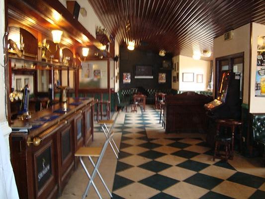 Poplars Pub