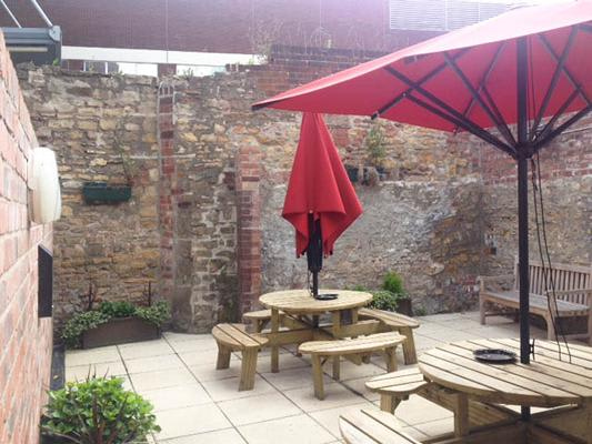Olde Castle Pub