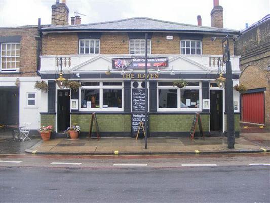 Raven Pub