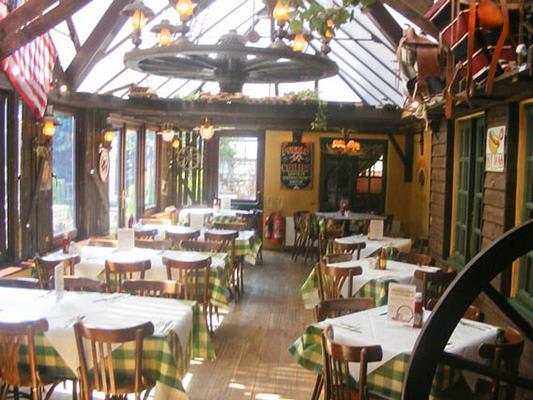 Smith & Western Pub