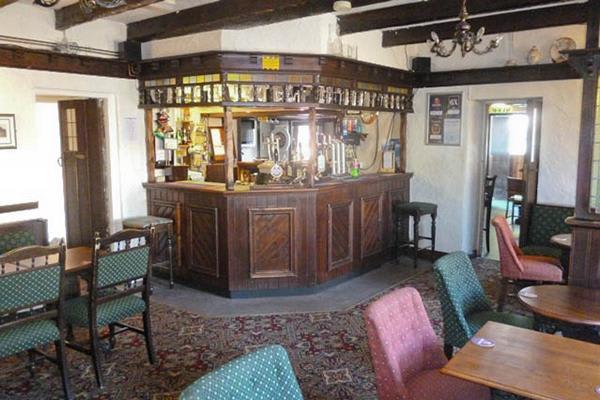 Three Horseshoes Pub
