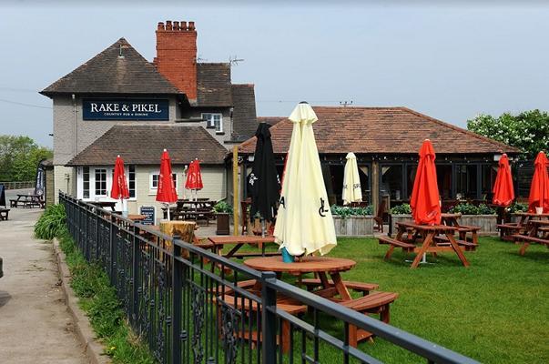 Rake & Pikel Hotel Pub