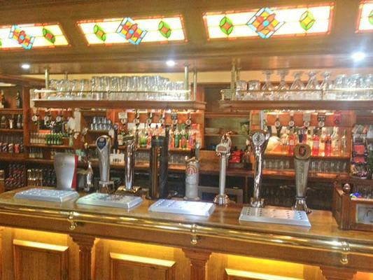 Castle Hotel Pub