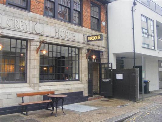 Parlour (Kensal Rise) Pub