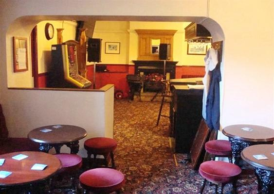 Fox & Hounds Pub