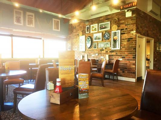 Woody`s Bar & Restaurant Pub