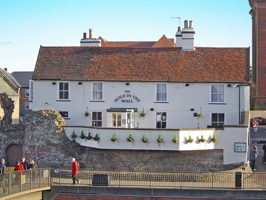 Hole In The Wall Pub