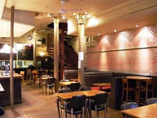 Horse & Stables Pub