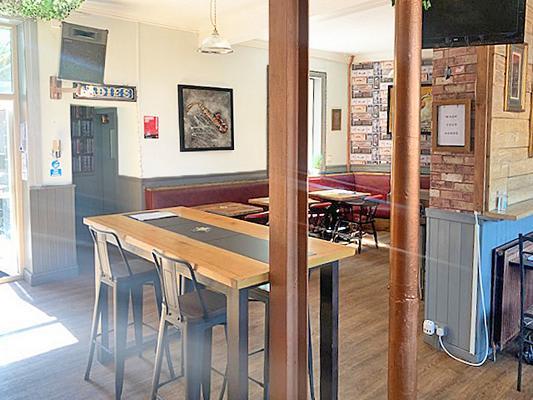 Crown & Anchor Pub