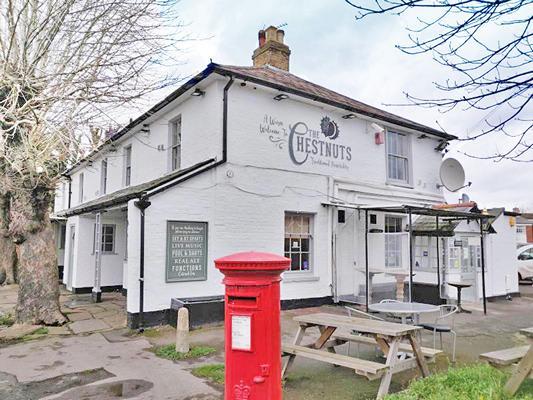 Chestnuts Pub