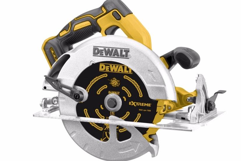DeWALT 18V XR Brushless Circular Saw