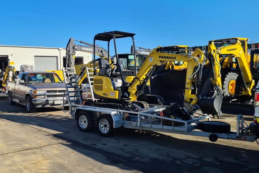 Brand-new 1.7ton yanmar diggers on trailers