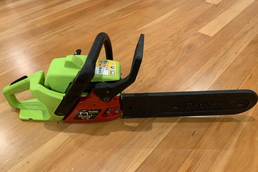 """Poulan 16"""" petrol 2-stroke chainsaw"""