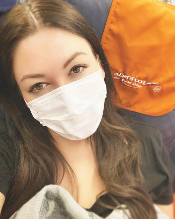 Устроившая семейный карантин Ирина Дубцова занялась готовкой на кухне
