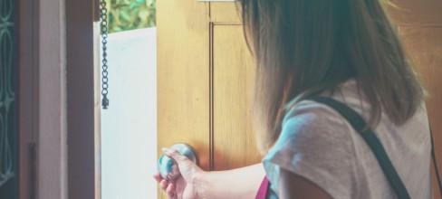 Wie Singles die Wohnungsnot verschärfen – Immobilienexperte Kim Schmidt erläutert Zusammenhänge