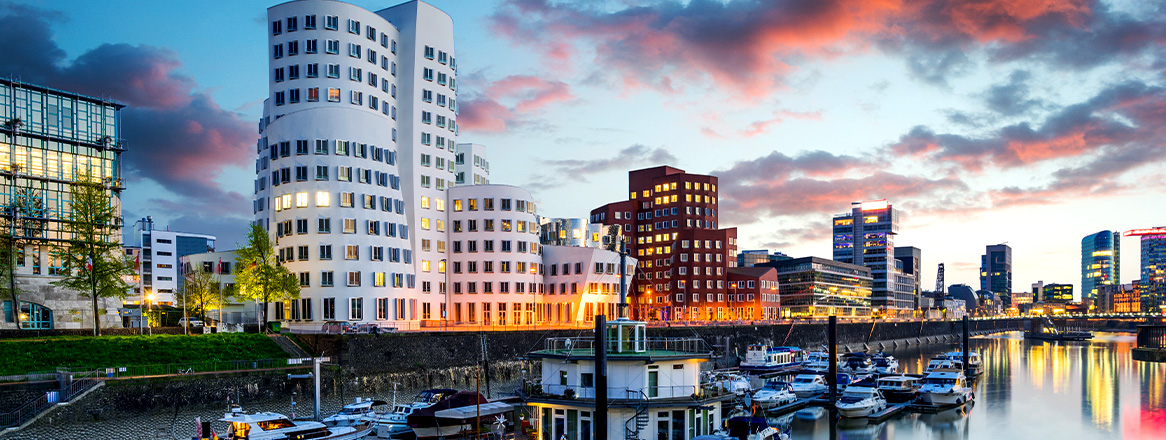 Date in Düsseldorf: 6 Orte, 5 Restaurants & 6 Aktivitäten für Ihr Date