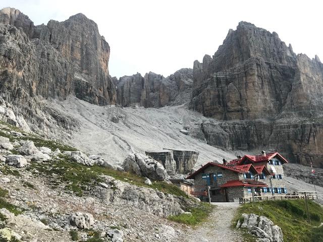 Réflexion personnelle au cours d'une belle journée du mois de mai dans les Dolomites :