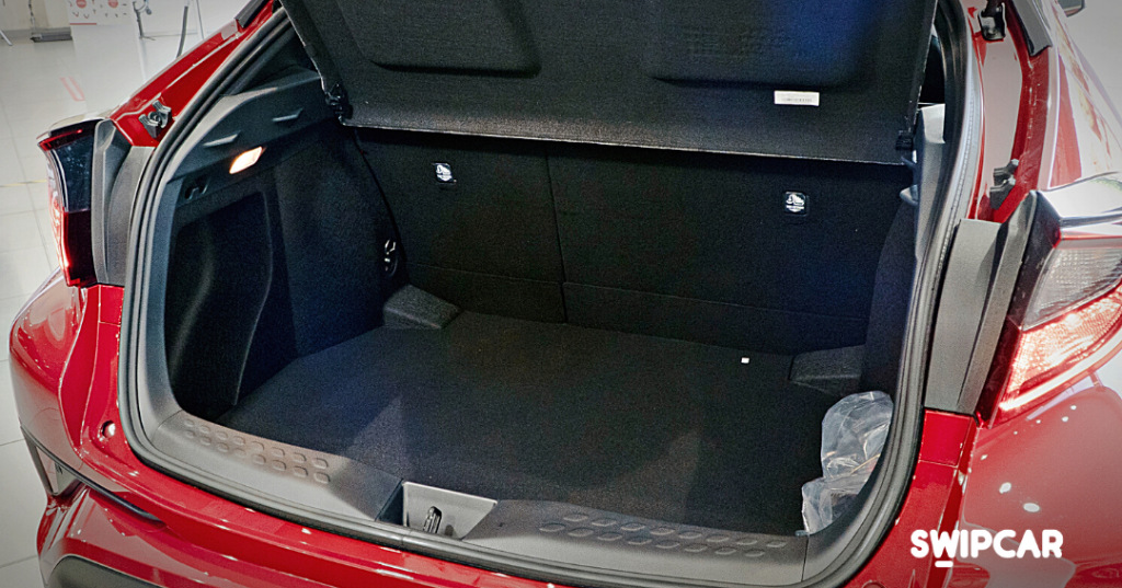 Toyota chr maletero renting swipcar