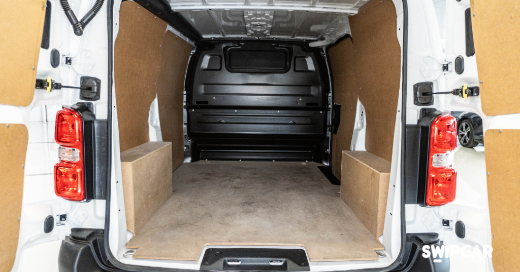 Interior furgoneta peugeot expert