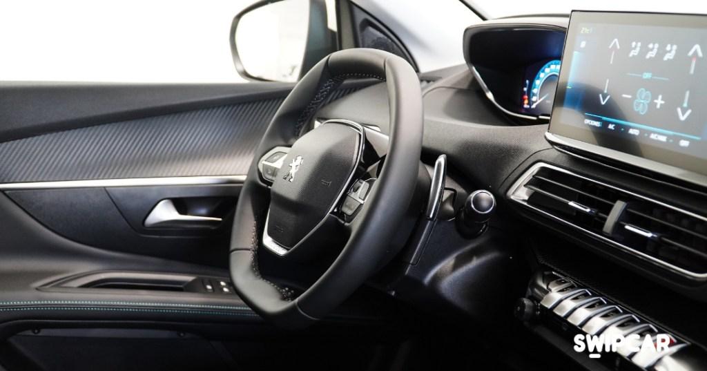 Peugeot 3008 interior coche 2021
