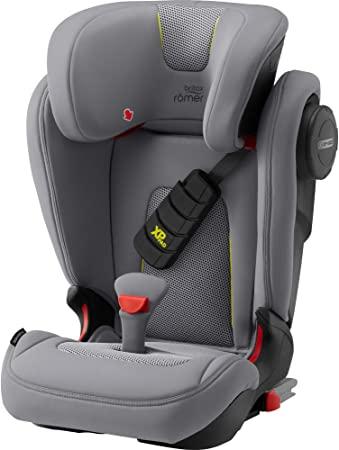 como poner la silla de bebe en el auto