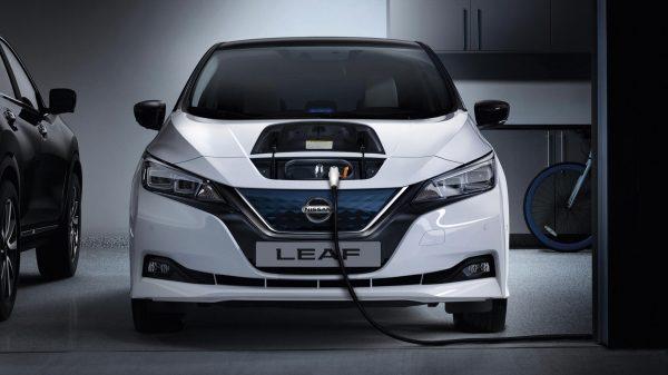 Auto elettriche a noleggio a lungo termine