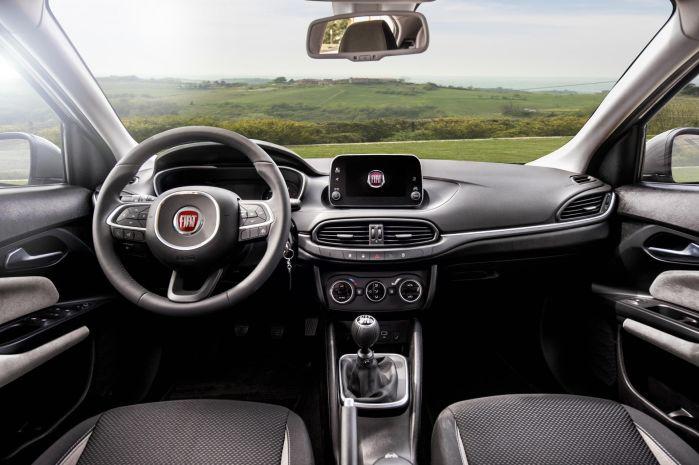 Coche renting Fiat Tipo