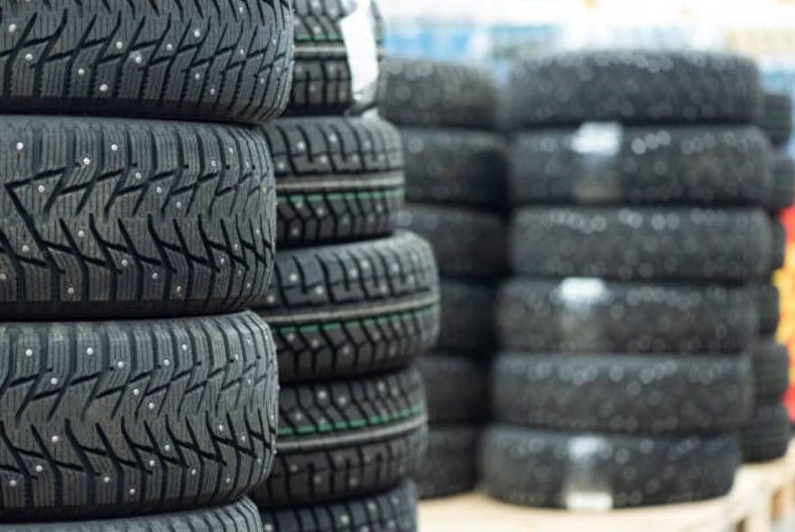 Come si applicano i chiodi sui pneumatici?