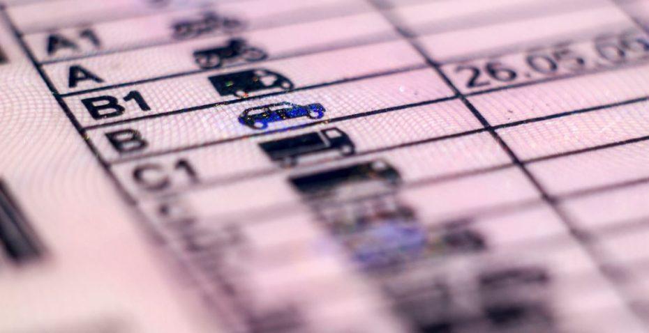 como recuperar puntos carnet conducir