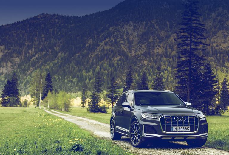 Audi Q7 background
