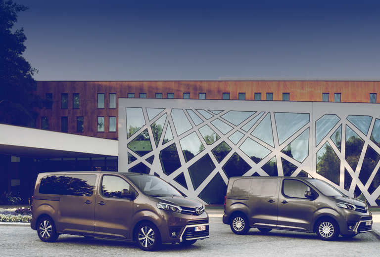 Toyota Proace Verso background