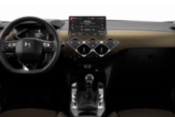 DS-3 Crossback-Blue HDi 100 So Chic-interior