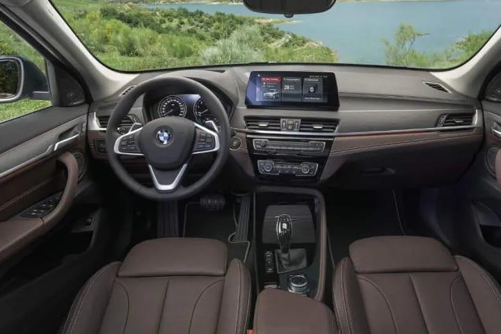 Bmw-X1-xDrive 25e-interior