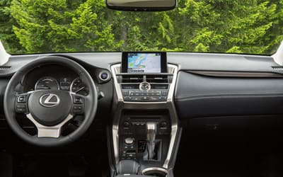 Lexus-NX-2.5 300h Executive 4WD-interior