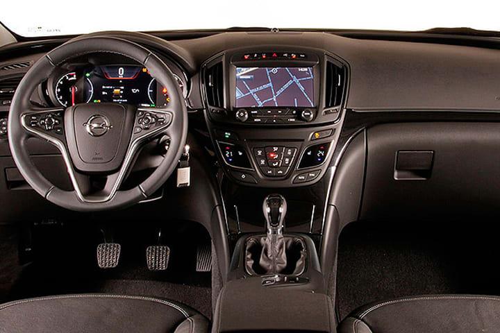 Opel-Insignia-ST 2.0 CDTi Turbo D Excellence-interior