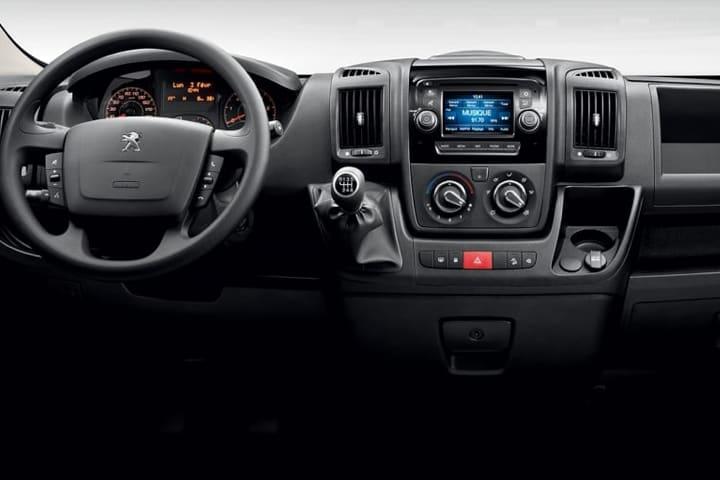 Peugeot-Boxer-Pack 335 L3 H2 BHDI-interior