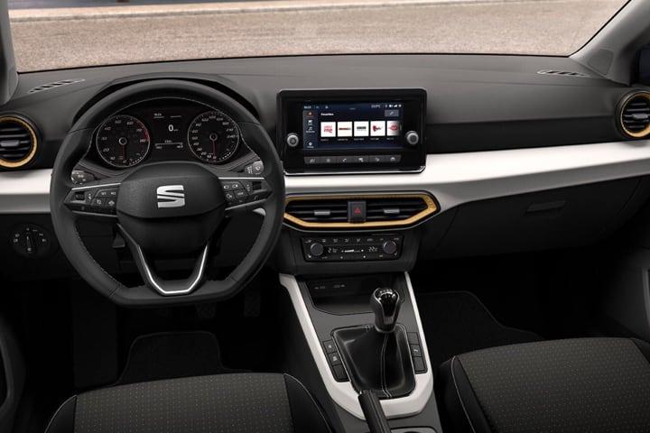 Seat-Arona-1.0 TSI Style-interior