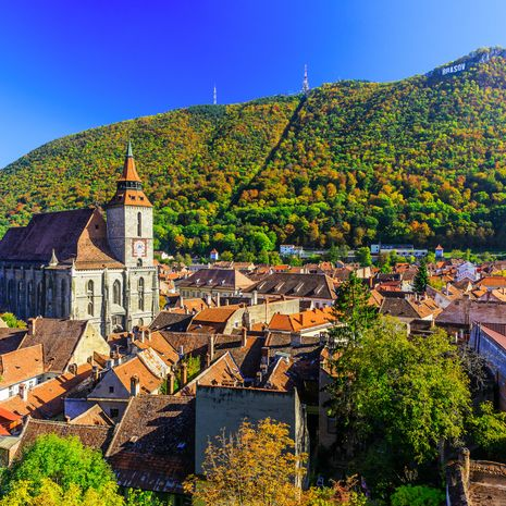 Brasov old town center and Tampa mountain