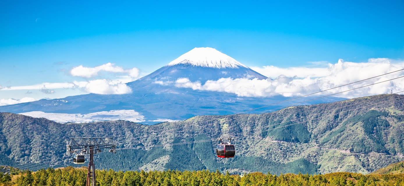 Ropeway and view of Mountain Fuji from Owakudani, Hakone