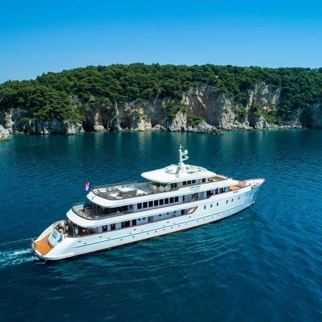 MB Yolo cruise, Dalmatian coast