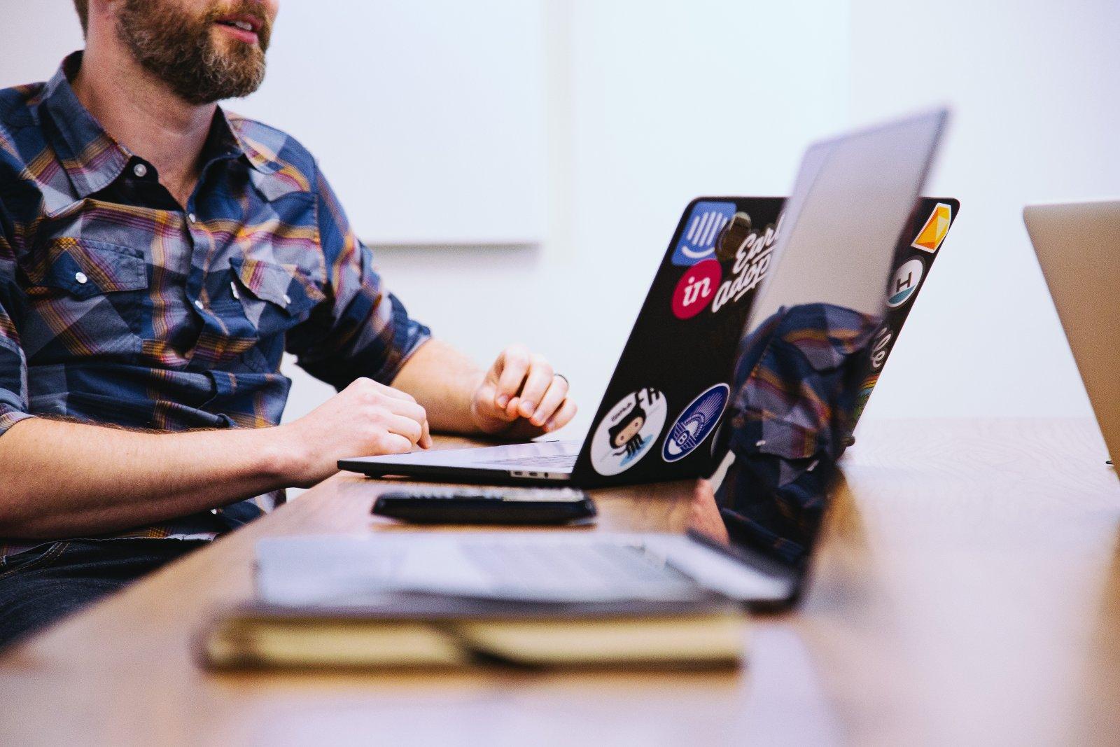 Les meilleurs outils de communication pour donner des cours en ligne