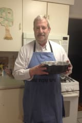 DV Home Cooking: Westchester Rabbi Bakes Up Memories With Mom's Banana Cake